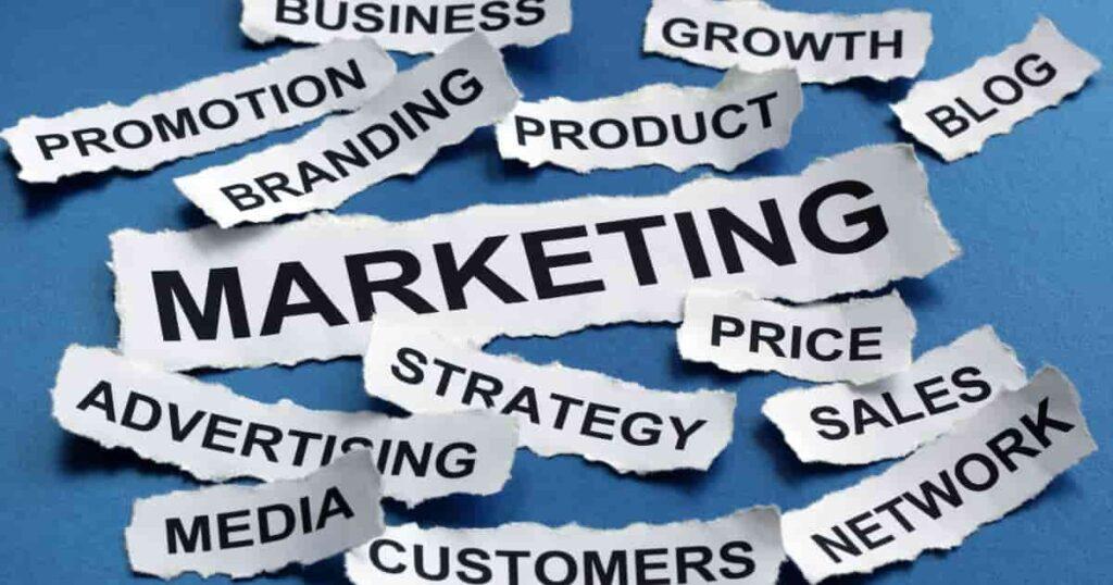 マーケティング戦略の立て方【行ったり来たりで作りましょう】